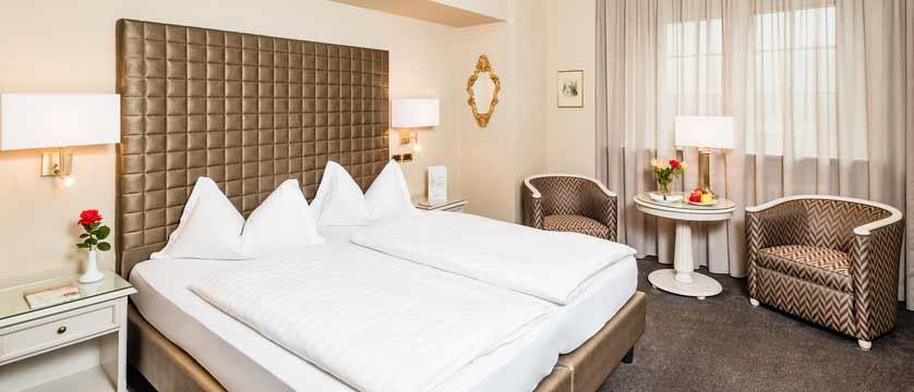Hotel Meranerhof, Merano, Italy - bedroom.jpg